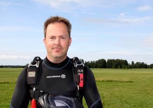 Lars Eklund, nybliven SM-vinnare i speed skydiving.