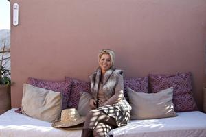 Maria Sebnat Martin på takterrassen till Riad Saba i Marrakech.