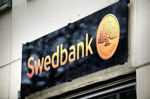 Swedbank hanterar inte kontanter längre, vilket leder till problem för småföretagare i glesbygd.