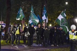 Den nazistiska organisationen Svenska motståndsrörelsen genomför en demonstration i Stockholm till stöd för det grekiska högerextrema partiet Gyllene gryning i fjol höst.