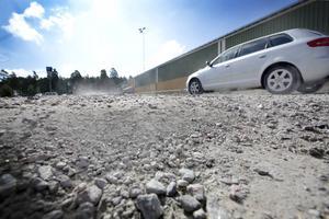 Groparna på parkeringen kommer att fyllas igen – kanske redan i nästa vecka meddelar Peter Jensen, driftansvarig i Brynäs IF