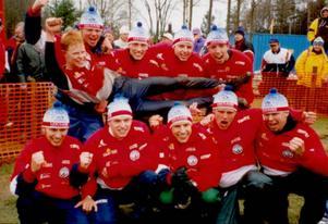 Unga och lovande. Se sa man om Leksands lag som kom tvåa på Tio-mila 1998.