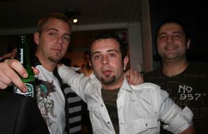 Blue Moon Bar. Emil, Georg och TNT