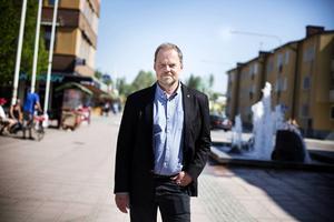 Kommunalrådet Jan Sahlén (S) ska få ta emot diplomet som Fairtrade City på torget på fredag. Foto: Linda Eliasson