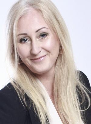 Ägaren Annika Grenje är tacksam över tiden i Rö då hon drivit vandrarhemmet och restaurangen i Rö. Men enligt planerna ska hon flytta tillbaka till Stockholm på heltid, där hon jobbar som formgivare.