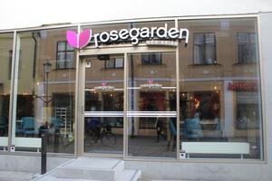 Nya Rosegarden-restaurangen livar upp Köpmangatan.