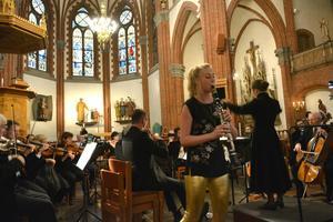 Lydia Holmlund är uppväxt i Sundsvall och i lördags var hon solist med hemstadens orkesterförening.