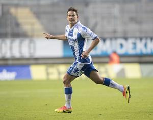 IFK Göteborgs mittfältare Mads Albaek missar söndagens match mot Östersund på grund av en bristning i låret.