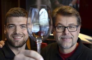 Glasklart! Madsen & Madsen vill öppna restaurangen så snart det är möjligt.