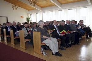 Många hade kommit till avslutningsgudstjänsten i Ådalskyrkan.