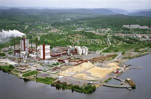 Dagens Timrå med Östrandfabriken - industri med lång bakgrund i landet mellan de två stora älvmynningarna.