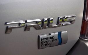 Bildtext 18-19: Med sin goda komfort, höga säkerhet och gynnsamma skatteregler är Toyota Prius en bra bil att köpa begagnad. Foto: Tomas Hägg