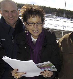 Elisabeth Johansson hoppas på en publikfest när Bollnästravet arrangera V75 på lördag.