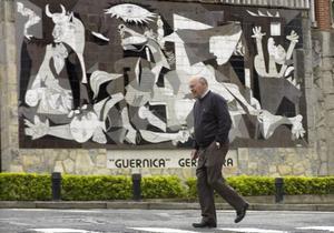 Guernica, som tyskarna bombade sönder 1937 är bara en återuppbyggd skugga av sitt forna jag.Foto: Scanpix