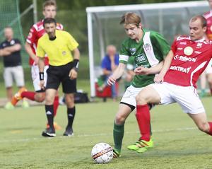 Oskar Westh gjorde mål för Hällbo igen.