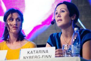 Skådespelaren Harleen Kalkat och kommunalrådet katarina Nyberg-Finn (S) var några av paneldeltagarna