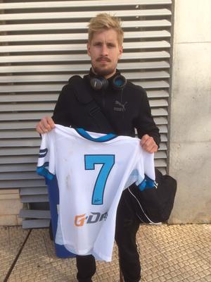 Daniel Björnquist med brassestjärnan Hulks tröja.