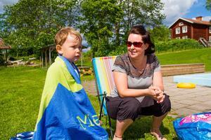 Sofie Lundin, Hassela tycker det är praktiskt att ta med barnen till Hasselabadet, här med sonen Melvin.
