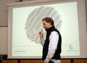 Per Ribbing från Svanen höll miljöföreläsning och redde ut begreppen vad miljömärkning innebär.Foto: Elisabet Rydell-Janson
