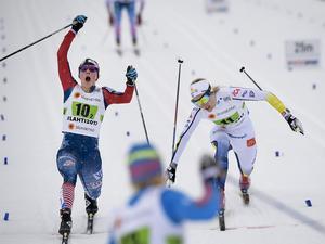 Jessica Diggins från USA gick i mål som trea och Sveriges Stina Nilsson fick en fjärdeplats i damernas sprintstafettfinal under skid-VM i finska Lahtis.