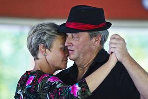 Anna Tutturen och Peter Sandin i en koncentrerad tango.