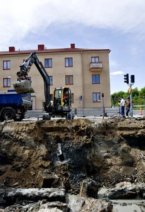 Saneringshörna. Föroreningarna i marken efter den gamla Koppartransmacken är på väg bort innan nya bostäder ska byggas.