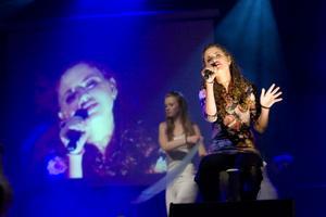 Amanda Lindh från Edsbyn skapade en magisk stämning med låten