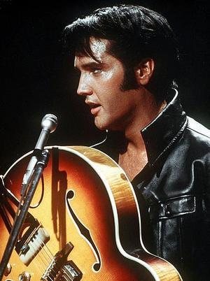 Länets mellanstadieelever får bekanta sig med Elvis Presley och hans musik.  Foto: Scanpix