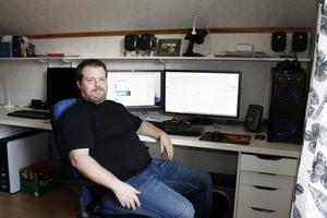 Anders Nilsson stora intresse är datorer. Nu är det hans jobb också.