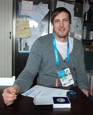 Någon medalj till Sveriges kälkhockeylag blev det inte däremot fick Christian Hedberg och alla som deltog spelen ett diplom och en medalj.