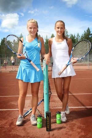 Systrarna Hanna och Ellen Selander, Östersund, 13 och 15 år, båda rankade som Norrlandsettor i sina respektive åldersklasser, gjorde upp om segern i damfinalen på söndagseftermiddagen. Efter en tuff match segrade till slut storasyster Hanna.