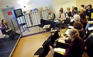 Foto: Emma Ederyd Lärare lär. Ett 30-tal lärare samlades för att lära sig om hur man kan använda film som undervisnings- och diskussionsmaterial i skolan.
