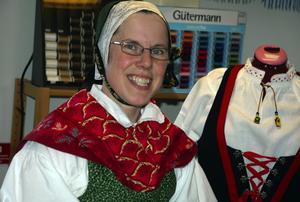 Nöjd. Mari Sjögren, som tillverkar handsydda folkdräkter och andra historiska kläder och även är ordförande i Föreningen Konstspaning var mycket nöjd med årets konstspaning.