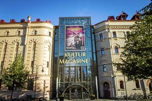 I Kulturmagasinet ligger Sundsvalls stadsbibliotek – ett ställe för både läsning, teater och föreläsningar.