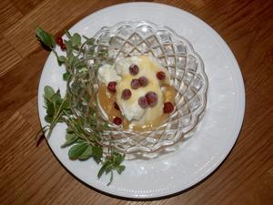 Lailas vattenlingon med messmörssås och glass.