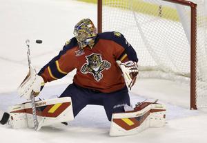 Jacob Markström får chansen i Canucks kasse efter att Ryan Miller släppte in fyra mål i matchen mot Anaheim.