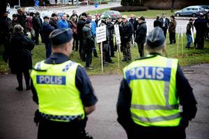 Det var stora protester utanför Mora tingsrätt när rättegången pågick.