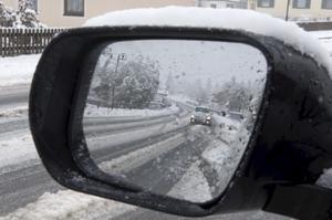2010 i backspegeln. Rekordfå människor omkom på vägarna under 2010, trots halka och återkommande snöoväder.foto: scanpix