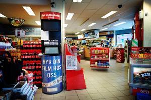 Många av Östersunds bensinmackar säger att filmuthyrningen går allt sämre.