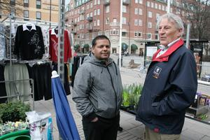 Sista dagen på Järntorget för torghandlarna Manyit Gill och Günter Lenke.