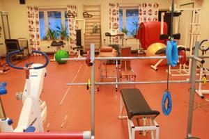 Det välutrustade träningslokalen är en stor tillgång för rehabiliteringsteamet i Bergsjö. En liten oro finns över vad som sker med gymmet efter överflyttningen till hälsocentralens korridor..