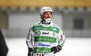 Janne Rintala byter grönvitt mot blåsvart i vinter.