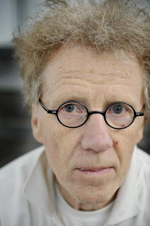 Jan Håfström är en av de konstnärer som medverkar med Fantomen-relaterad konst på Lasse Åbergs museum.