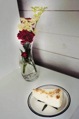 TRIVSAMT. Nyplockade blommor gör att det luktar gott och hemtrevligt.