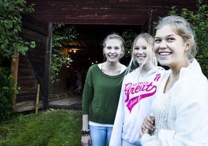 Johanna Bäck, Ella Nordanås och Moa Sellén var de yngsta deltagarna under kvällens nybörjarkurs.