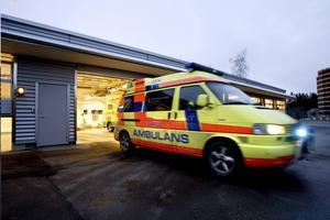 Personalbristen väntas slå hårt mot ambulanssjukvården i sommar.