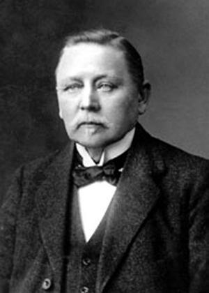 Gick på Teknis. Gustaf Eriksson från Lindesberg skapade Sveriges första bil på en fabrik som senare blev Saab-Scania.