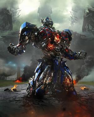 Optimus Prime har huvudrollen bland robotarna.