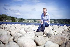 Artisten och författaren Sofia Rapp Johansson, Hudiksvall, stämmer staten.