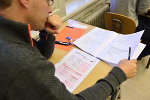 66 258 personer anmälde sig till högskoleprovet i lördags. Klockan 16.20 var det över, och först på onsdag eftermiddag, den 2 november, kommer facit att publiceras på sajten Studera.nu.